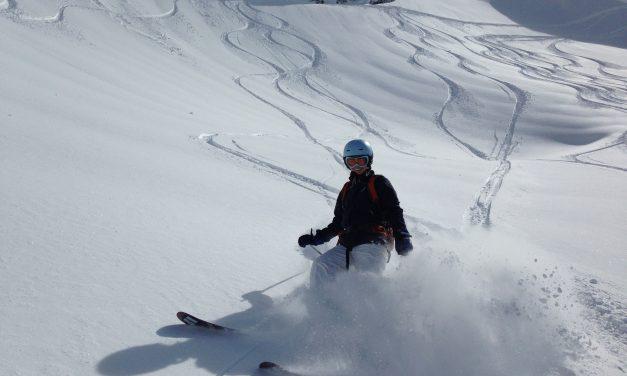 Off Piste Skiing – Le Tour